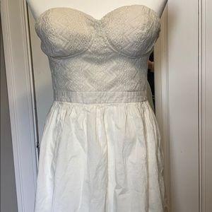 🧜🏻♀️ White Guess Dress 🧜🏻♀️